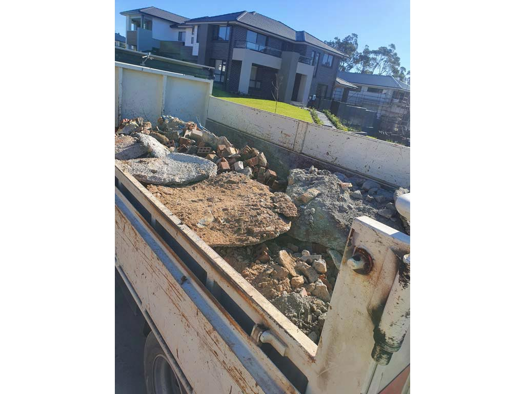 Concrete and bricks recycling